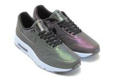 "Nike Air Max 1 Ultra Moire ""Iridescent"" - SneakerNews.com"