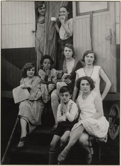 [Circus people (Zirkusleute)]; August Sander (German, 1876 - 1964); about 1930 - 1932; Gelatin silver print; 21.3 x 21 cm (8 3/8 x 8 1/4 in.); 84.XM.126.214; Copyright: © J. Paul Getty Trust