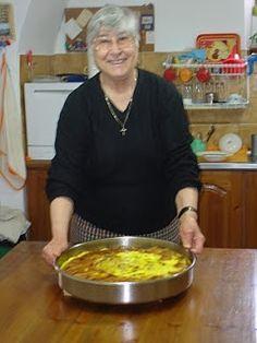 Authentic Greek Recipes: Greek Meat Pie (Kreatopita) From Corfu – Comida: mesas vegetarianas Greek Sweets, Greek Desserts, Greek Restaurants, Greek Dishes, Main Dishes, Greek Cooking, Mediterranean Dishes, Healthy Eating Tips, Healthy Nutrition