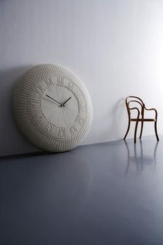 oversized clock by Diamantini & Domeniconi (this would be a nice diy)