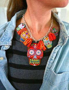 iLoveToCreate Blog: Sugar Skull Necklace
