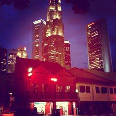 City by night! // #italianiasingapore #italiansinsingapore #singapore #italy #italia #tourist #town #city #business #skyscrapers #skyline #expatriate #expat #holiday