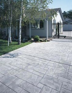Stamped concrete patterns driveway - Spend quality time evaluating the colour and colors you will use in your house. This is the place where you spend the majority of your time, so consider the special care to obtain it right. Stamped Concrete Designs, Stamped Concrete Driveway, Concrete Backyard, Wood Walkway, Concrete Patio Designs, Concrete Porch, Concrete Driveways, Backyard Patio, Walkways