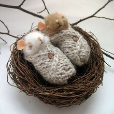little mouse blanket nest needle felting by LiveTales on Etsy