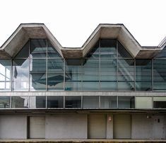 Socialist Modernism on Your Smartphone: This Research Group is Raising Funds for a Crowdsourcing Mobile App,Pavilion of a former furniture store Emilia, Warsaw, Poland. Built 1960-70. Architects: Marian Kuźniar, Czesław Wegner. Photo by Dumitru Rusu. Image © BACU