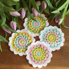 Daxs att virka nya Glasunderlägg i vårens fina färger! Till detta mönster har jag använt mig utav bomullsgarn och virknål 3,0