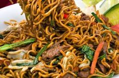 resep mie goreng jawa Mie Noodles, Curry Noodles, Pasta Noodles, Noodle Recipes, Rice Recipes, Asian Recipes, Ethnic Recipes, Asian Foods, Mie Goreng Recipe