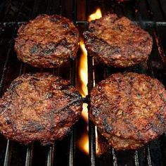 Drick's Rambling Cafe: Award Winning - juicy grilled Southern Seasoned Hamburger recipe - complete with the season blend mixture & basting sauce that becomes a perfect glaze Grilling Recipes, Cooking Recipes, Barbecue Recipes, Burger And Fries, Beef Burgers, Mini Burgers, Veggie Burgers, Grilling Burgers, Meat Seasoning