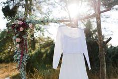 Intime & rustikale Waldhochzeit im Sauerland – Fotoinspiration #Beerentöne #RustikaleHochzeit #romantisch #Vintage #Boho #Hochzeitsdeko #Hochzeitsideen #Dekoration #Brautkleid