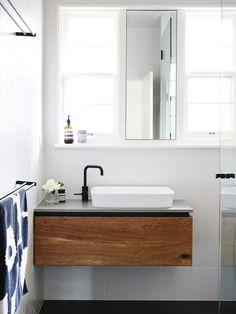 Meuble salle de bain bois   35 photos de style rustique c87cda3fff68
