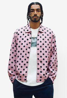 291bd6de0 10 streetwear labels die op je radar moeten: Supreme #streetwear  #streetwearfashion