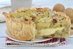 TORTA SFOGLIA RUSTICA PATATE e SPECK No Salt Recipes, Sugar Free Recipes, Baby Food Recipes, New Recipes, Quiche, Cute Food, Yummy Food, Easy Cooking, Cooking Recipes