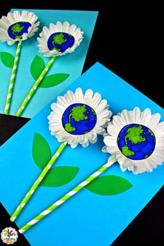 Are you looking for a creative project for your students create on Earth Day? This Earth Day Flower Craft is not only easy to. Earth Day Projects, Spring Art Projects, Earth Day Crafts, Projects For Kids, Halloween Crafts For Toddlers, Spring Crafts For Kids, Toddler Crafts, Art For Kids, Kid Art
