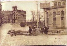 Al fondo la Casa de las cigarreras. A Coruña. A la derecha, la fábrica de cerveza y la de hielo.