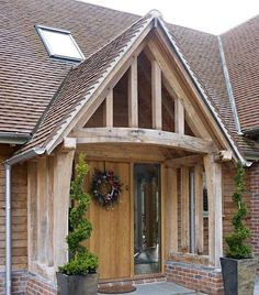 Border Oak Porch on a new build barn home. Border Oak Porch on a new build barn home. Image Size: 553 x 760 Source House With Porch, House Front, Building A Porch, Building A House, Build House, Building Homes, Architecture Extension, Porch Canopy, Door Canopy