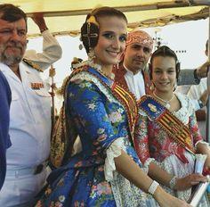 Traditional Dresses, Sari, Fashion, Dresses, Fails, 18th Century, Culture, Blue, Moda