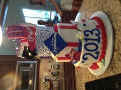 Ole Miss cake  ~ Check this out too ~ RollTideWarEagle.com sports stories that inform and entertain and Train Deck to learn the rules of the game you love. #Collegefootball Let us know what you think.   #OleMiss