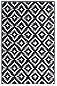 Amazon.com: FH Home Indoor/Outdoor Recycled Plastic Floor Mat/Rug - Reversible - Weather  UV Resistant - Aztec - Black/White (5 ft x 8 ft): Home  Kitchen