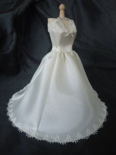 Gorgeous weddinggown 1/12th scale van LittleDayDreamStore op Etsy