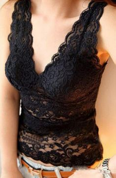 Lace Sleeveless Top iN Black