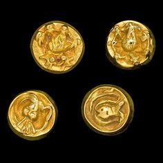 A website dedicated to Line Vautrin - Gallery - Buttons
