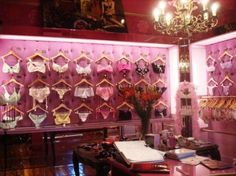 Lingerie Store Design, Designer Lingerie, Luxury Lingerie, Lingerie Stores, Boutiques, Underwear Store, Shop Fittings, Bra Shop, Merchandising Displays