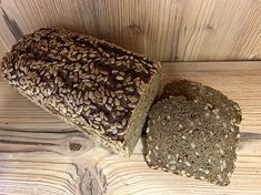 Bio Finnenbrot How To Dry Basil, Food Ideas, Herbs, Breads, Bread Baking, Sunflower Seeds, Health, Herb, Spice