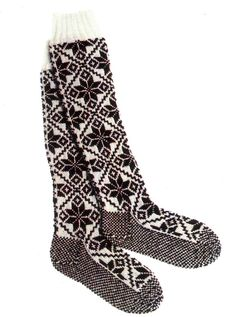 Original Selbu Norwegian Hand Knitted Women's Knee-High Stockings--How amazing would these look hung up on the mantle? Fair Isle Knitting, Knitting Socks, Hand Knitting, Knitted Hats, Knit Socks, Knee High Stockings, Boot Toppers, Sock Shoes, Mittens