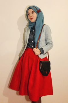 Vintagonista- romwe skirt and blouse, vintage bag and hijab