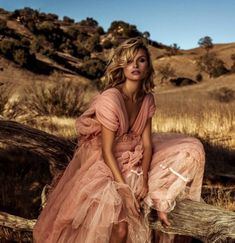 Pink dress, outside editorial pictures Inspiration Photoshoot, Style Photoshoot, Fashion Photography Inspiration, Editorial Photography, Portrait Photography, Photography Studios, Inspiring Photography, Creative Photography, Digital Photography