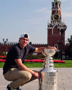 Evgeni Malkin spent his day with Lord Stanley in Moscow, Russia, sharing it with friends and family.