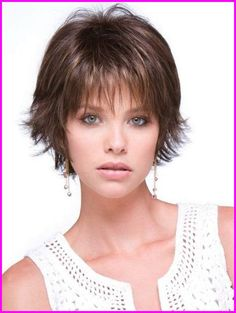 Are you one of those ladies who gets confused when it comes to styling fine hair? Well, you don't have to worry any more because on this list I have featured some of the best short haircuts for fine hair. Fine Hair Styles For Women, Short Hair Cuts For Women, Short Hairstyles For Women, Straight Hairstyles, Natural Hair Styles, Short Hair Styles, Men Hairstyles, Layered Hairstyles, Sleek Hairstyles