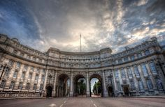 London, Covent Garden & The Stand, Charing Cross, Admiralty Arch