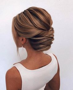 87 Fabulous Wedding Hairstyles For Every Wedding Dress Neckline swept back wedding hairstyle ,bridal hairstyles , messy swept back hairstyles ,ponytail bridal hairstyles Updos For Medium Length Hair, Updo For Long Hair, Updos For Fine Hair, Medium Hair Updo, Medium Length Wedding Hairstyles, Straight Hair Updo, Straight Wedding Hair, Prom Hair Medium, Up Dos For Medium Hair