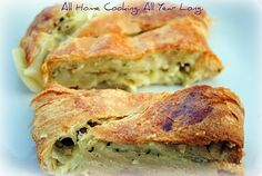 All Home Cooking: Weight Watchers Style: Meatless Italian Stromboli, sort of No Salt Recipes, Pasta Recipes, Dinner Recipes, Stromboli Recipe, How To Cook Zucchini, Vegetarian Cookbook, Good Food, Yummy Food, Getting Hungry