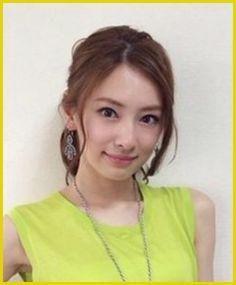 クールな目元に華やかな雰囲気がとっても魅力的な女優、北川景子さん♡ いつもトレンドをけん引する素敵なヘアスタイルの北川さんの前髪・髪型をまとめてみました。 ヘアサロンでオーダーする時の参考にも♡