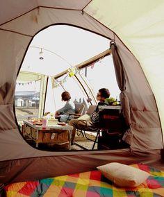 日本ならではの気候やキャンプサイトの大きさに合わせて設計された、オールシーズン対応の2ルーム型トンネルテントです。コンパクトな収納サイズながら、大人10人がくつろげる程のリビングスペースを備えており、ファミリーキャンプからグループキャンプまで幅広く活躍します。 広いリビングを備えた2ルーム型トンネルテント。コンパクトなパッキングサイズながら、ファミリーからグループキャンプまで活躍します。 DOPPELGANGER OUTDOOR (ドッペルギャンガーアウトドア) 略してDOD。 #キャンプ #アウトドア #テント #タープ #チェア #テーブル #ランタン #寝袋 #グランピング #DIY #BBQ #DOD #ドッペルギャンガー #camp #outdoor