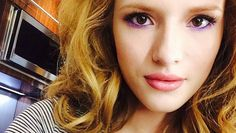 Bella Thorne: Frühlingstrend lila Eyeliner | BUNTE.de