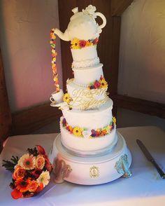 Best. Wedding. Cake. EVER! #teatime #wedding #cake #MrandMrsBryant