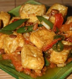 Spicy Recipes, Asian Recipes, Vegetarian Recipes, Cooking Recipes, Tofu Dishes, Spicy Dishes, Soto Ayam Recipe, Indonesian Cuisine, Indonesian Recipes