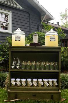 I like the idea of having a lemonade/sweet tea stand prior to the ceremony.