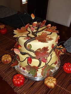 Thanksgiving cake. Pretty! :)