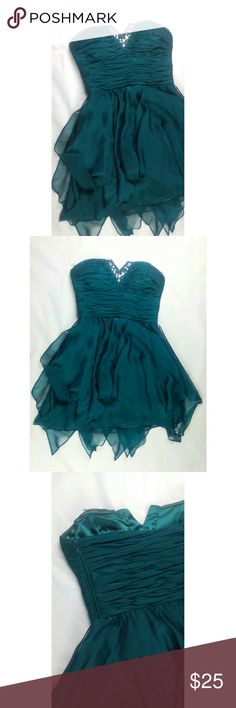 Emerald Green Party Dress Bejeweled and beautiful deep green. Excellent condition, worn only once. No missing jewels and sequins on the sweetheart bustline. Pretty soft chiffon flows with every step. Morgan & Co. Dresses Strapless
