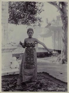 Indonesia, Java ~ Madurese Dancer, by Onnes Kurkdjian, circa 1885 ~ The Madurese (sometimes Madurace or Madhure) also known as Orang Madura and Suku Madura in Bahasa Indonesia are an ethnic group originally from the island of Madura now found in many parts of Indonesia, where they are the third-largest ethnic group by population. Common to most Madurese throughout the archipelago is the Islamic religion and the use of the Madurese language.