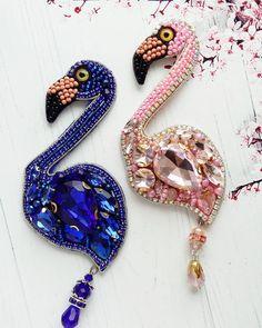 Какие милые пара прекрасных фламинго давненько не делала этих гордых красавцев розовый выполнен на заказ для прекрасной девушки, а вот синий свободен для продажи Стоимость 1600₽ ❌проданы❌ Желаете приобрести? Тогда пишите мне в direct или пройдите по ссылке в шапке страницы в диалог what's app ☝ #handmade #handworks #assecories #brooches #flamingo #брошьручнойработы #брошьизбисера #авторскаяброшь #брошьказань #брошьптица #фламинго #синийцвет #розовыйфламинго #брошьфламинго #фл