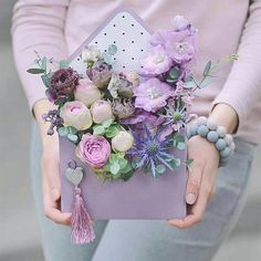 The Best Bouquet Ideas For Your Fall Wedding Flower Box Gift, Flower Boxes, Deco Floral, Arte Floral, Anemone Flower, My Flower, Bridal Bouquet Fall, Bridal Bouquets, Flower Packaging