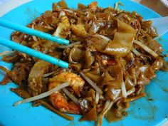 Char kway teow #noodles: part of my favorite #Singapore street food! Miss 'em!