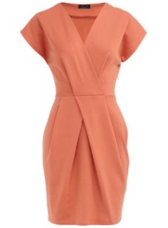 Peachy keen + blue necklace = :)love the x x Pink Fashion, Love Fashion, Day Dresses, Dresses For Work, Kinds Of Clothes, Work Clothes, Church Fashion, Pretty Dresses, Fabulous Dresses