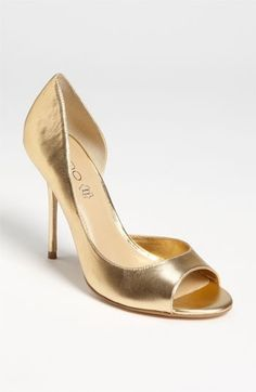 Quest for gold shoes