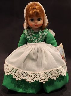 MADAME ALEXANDER DOLL – IRELAND #578 ~ Green dress